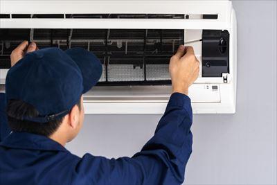 ご自分でしても良いエアコン洗浄は、フィルターの掃除です