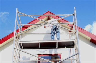 紫外線や雨風から建物を守る