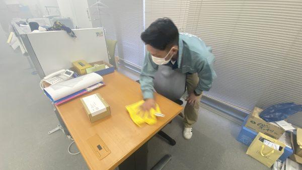 都内で予防消毒作業